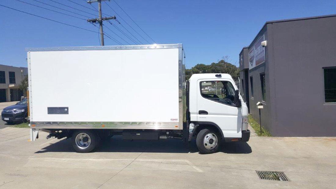 Brenmark-Transport-Equipment-quality-truck-bodies-Melbourne-Dandenong-Frankston-Melbourne-Peninsula-Victoria-FRP-vans2