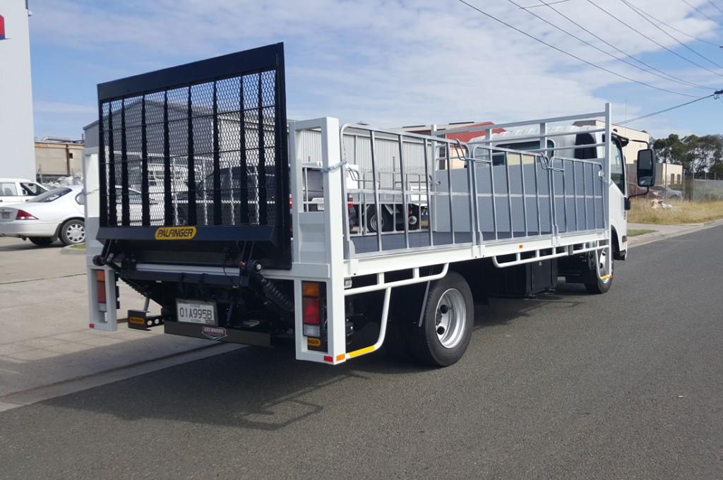Brenmark-Transport-Equipment-quality-truck-bodies-Melbourne-Dandenong-Frankston-Melbourne-Peninsula-Victoria-Tray-body-truck9