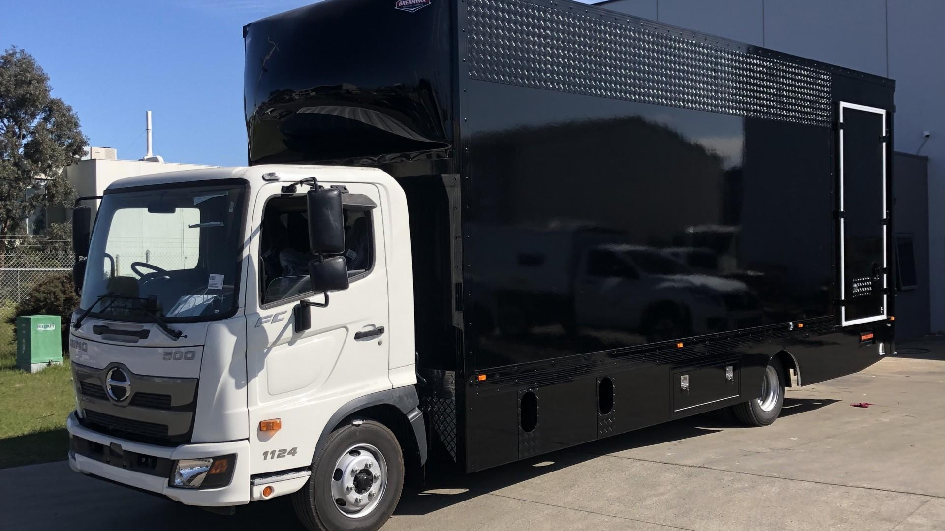 FRP-Vans-Black-1